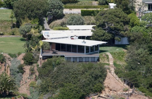 Pitt / Jolie House: Hero Shot
