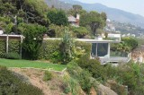 Pitt / Jolie House: Side Shot